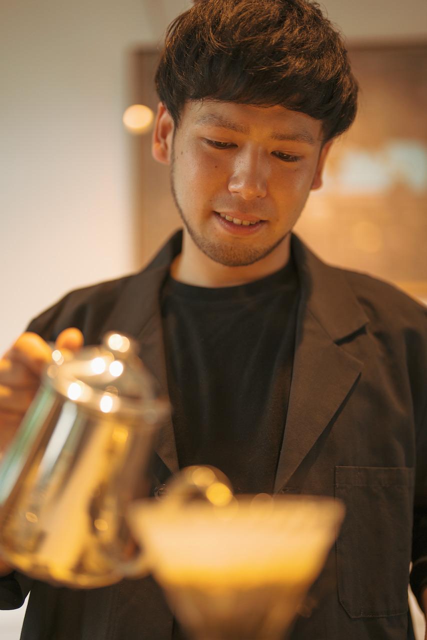 EMBANKMENT Coffee 上田 真也